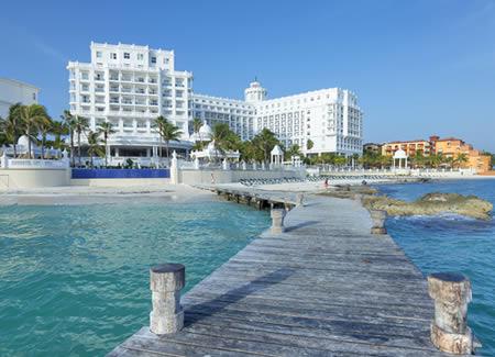 hospitality-cancun-99182603-450w